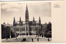 AT-9: WIEN: Rathaus - Vienna Center
