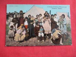 Group Of Eskimo Women & Children Alaska   Ref 2854 - Native Americans
