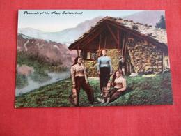 Peasants Of The Alps Switzerland   Ref 2856 - Europe