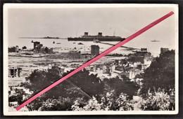 """76 LE HAVRE - Ruines 1945? _ Paquebôt """"Liberté"""" Entrant Au Port _ Compagnie Générale Transatlantique _ French Line - Le Havre"""