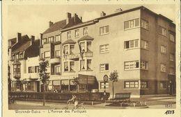 Westende -- L' Avenue Des Portiques.   (2 Scans) - Westende