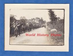 Photo Ancienne - Prés SOUCHEZ ( Pas De Calais )- Retour De Tranchée De Poilu , Régiment De Dragons - 1915 - Guerre, Militaire