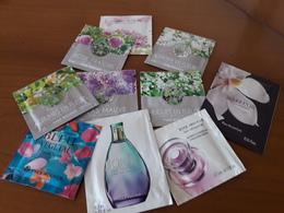 Lot N°2  10 Pochettes Yves Rocher. - Cartes Parfumées