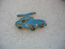 Pin's Voiture MERCEDES De Couleur Bleue - Mercedes