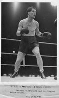 (4) Photo Presse Originale Boxe Georges Carpentier En Pleine Action  Au Gala Carpentier Au Grand Palais - Sports