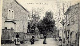 11 MOUX - Avenue De Montbrun - Animée - Autres Communes