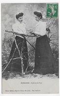 (RECTO / VERSO) MARMANDE EN 1908 - FEMMES AVEC COIFFURE DU PAYS - BEAU CACHET - CPA VOYAGEE - Marmande