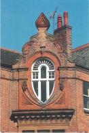 TEARDROP WINDOW, LONDON ROAD, LEICESTER, ENGLAND. UNUSED POSTCARD Ls3 - Leicester