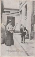 Les Petits Métiers Parisiens - La Chanteuse Des Cours - Petits Métiers à Paris