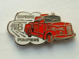 PIN'S SAPEURS POMPIERS - VEHICULE - Feuerwehr