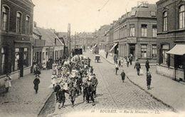 CPA - ROUBAIX (59) - Aspect De La Rue De Mouvaux En 1910 - Roubaix