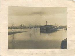 VP-GF.18-278 : PHOTO OCTROI DE BOULOGNE SUR SEINE. PORTE DE BILLANCOURT PENDANT LES CRUES DE 1910. PARIS - Places