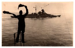15443   German  Nazi  Navy Ship, Sailor Signaling From Submarine - War 1939-45