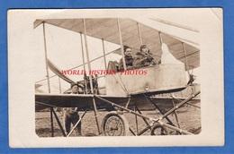 CPA Photo - Aérodrome à Identifier - Aviateur Dans Leur Avion - Pilote & Modèle à Identifier - Aviation Militaire ? - 1914-1918: 1ère Guerre