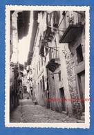 Photo Ancienne - FONTARABIE - Une Rue à Situer - Guipuscoa Pays Basque Fuenterrabia Fontarrabie - Lieux