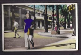 CPSM VIET NAM - COCHINCHINE - SAIGON - Rue Catinat 1946 - TB GROS PLAN Personnages TB ANIMATION MAGASINS - Viêt-Nam