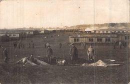 Militaria > Guerre 1914-18 Carte Photo Originale Camp De Prisonniers à Identifier Les Latrines ? Wc ? - Guerre 1914-18