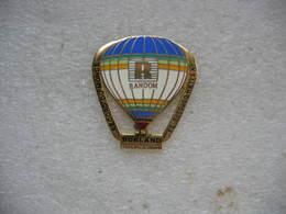 Pin's Mongolfiere RANDOM Record Du Monde In SALAH En Octobre 88 - Airships