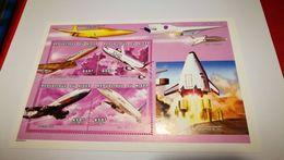 "Bloc ""Comet +Concorde+Airbus+Boeing+ Navette"" - Airplanes"