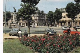 SOISSONS: Place De La République, Voitures,voyagée 1975 - Soissons