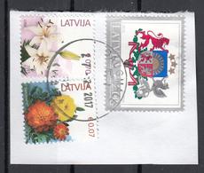 Lettonia 2015 Fiori Flowers Stemma Arms  Viaggiato Used Latvija On Paper - Su Frammento - Letland
