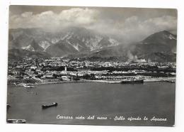 CARRARA VISTA DAL MARE - SULLO SFONDO LE APUANE  VIAGGIATA FG - Carrara