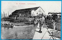 CPA 44 LE CROISIC - La POISSONNERIE * Collect. Lassalle ** Pêche En Mer - Le Croisic