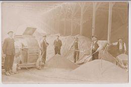 CARTE PHOTO : MACHINE A BROYER ROCHES OU GALETS POUR LE SABLE ? - CONCASSEUR DE MINERAIS ? - 2 SCANS - - Miniere