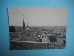 PHOTOGRAPHIE  -  LA TOUR D'AUVERGNE -  63  -  Pointe De Clocher  -  8,7  X 12  Cms - 1957 -Puy De Dôme - Autres Communes
