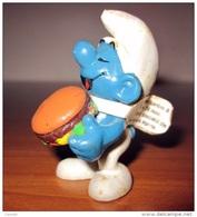 PUFFO CON HAMBURGER SCHLEICH 1983 PEYO - Smurfs