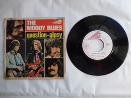 EP 45T  THE MOODY BLUES   LABEL THRESHOLD  XDR 46717  QUESTION - Disco, Pop