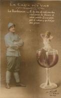 LA CARTE DES VINS  LE BORDEAUX GUERRE 14/18 POILU ET FEMME SUR LE BORD DU VERRE - Vines
