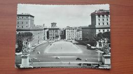 Roma - Piazza Venezia - Places & Squares