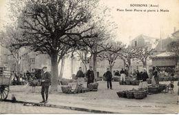02 SOISSONS - Place Saint Pierre Pierre à Marée - MARCHE - Soissons