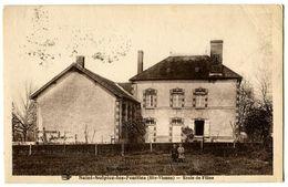 CPA 87 Haute-Vienne Saint-Sulpice-les-Feuilles Ecole De Filles Animé - Saint Sulpice Les Feuilles