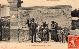 S 1  -   768   -  MONTREURS  D ' OURS De  L' Ariège   -    ( 31 )   -  Types  Méridionaux  En  Démonstration . - Street Merchants