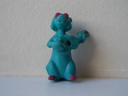 - Ancienne Figurine ESSO Glup's. 1971. Série Les Aristochats. Hit Cat - - Figurines