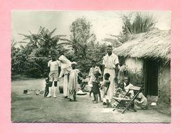 BENIN - OBLATES DE L'ASSOMPTION , RELIGIEUSES MISSIONNAIRES - VISITE AU VILLAGE INDIGENE - MISSION - Benin