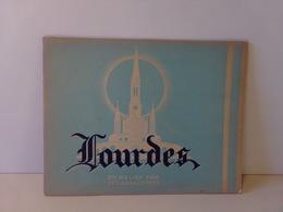 Lourdes En Relief Par Les Anaglyphes Avec Les Lunettes - Turismo