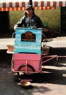 NICE - Marché Des Allées Saleya, Un Joueur D'orgue De Barbarie, Mai 1989 - 500ex - Straßenhandel Und Kleingewerbe