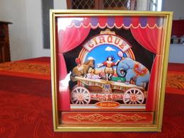 Vitrine : Diorama Musical : Le Cirque, équlibriste Sur Balance Contrepoids éléphant Contre Poney Et Cochon - Other Products