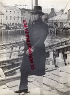 RARE PHOTO ORIGINALE GREGORY PECK- MOBY DYCK-  CINEMA  MOVIES STARS - Célébrités