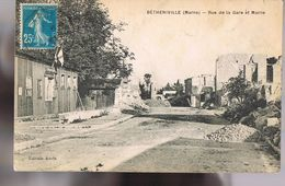 BETHENIVILLE . Rue De La Gare Et La Mairie . Peu Courante . - Bétheniville