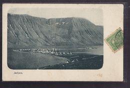 CPA ISLANDE - JSAFJORD - TB Vue Générale D'un Village Au Bord De L'eau D'un Fjord - TB PLAN D'ensemble - Island