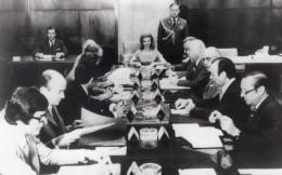 Argentine Presidente Isabel Martinez De Peron Conseil Des Ministres Ancienne Photo De Presse 1976 - Famous People