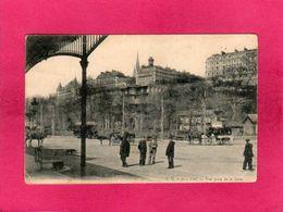 64 Pyrénées Atlantiques, Pau, Vue Prise De La Gare, Animée, Calèches, Chefs De Gare, 1905, (C. C.) - Pau