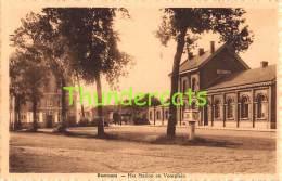 CPA  BEERNEM HET STATION EN VOORPLEIN - Beernem