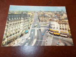 B681  Lussenburgo Avenue De La Liberte' Macchioline Umido - Cartoline