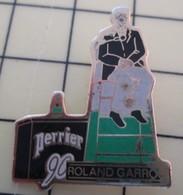 PIN410D Pin's Pins / De Belle Qualité Et Rare : SPORT : TENNIS ROLAND-GARROS 90 PERRIER ARBITRE DE CHAISE - Tennis