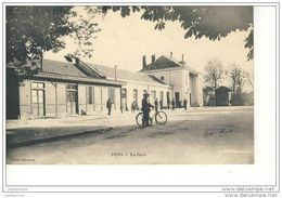 PONS LA GARE CPA 1915 - Stations Without Trains